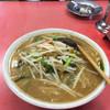 珍満茶楼 - 料理写真:いつまでも冷めずのミソラーメンです!