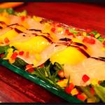 36985295 - 生ハムとマンゴーのサラダ