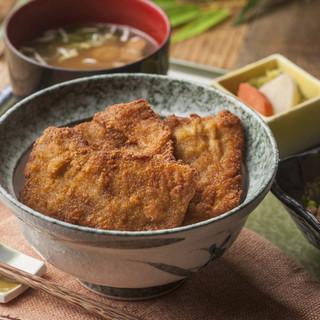 <表参道の和食ランチ>タレカツ丼・へぎそばなど新潟郷土料理