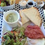 カフェホテルイソラベッラ - 料理写真:豪華な朝食