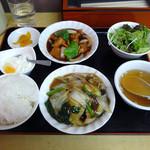 太光苑 - 「2品定食(鶏肉スブタ風・長崎皿うどん)」750円