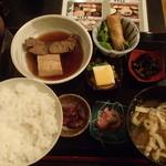 三代目 ぬる燗 加藤 - 煮魚定食 850円