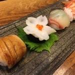 36996499 - 見た目も実に美しい手まり寿司。仕事が光ります。