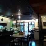 Cafe + Boulangerie Doppo - 落ち着いた店内