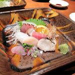 柳町 一刻堂 清川店 - お刺身です。盛り付けもキレイ。