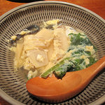 柳町 一刻堂 - 竹の子やわらびをおつゆたっぷりで卵とじにしたもの。全体的に九州の甘め醤油味ですけど、上品です。