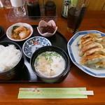 餃子の店 かめ - 餃子定食\600-