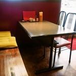 大連 - テーブル席
