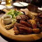 肉バル NORICHANG - かづの短角牛の盛合せ