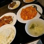 37017831 - 油淋鶏とエビ玉定食(980円)