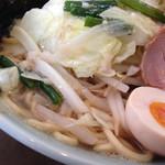 37017994 - 山マー醤麺(770円)を頂きました。