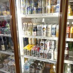 村田屋酒店 - 冷蔵ケース。