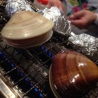 やきやき-気さくなマスターが通な焼き方でもてなしてくれます( ´ ▽ ` )ノ  裏メニューのアヒージョや牛筋は絶品!