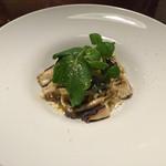 ナミヘイピザ - ポルチーニときのこのクリームタリアテッレ1300円(半分とりわけ)