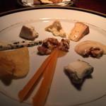 ジャガト カーナ - 料理写真:チーズ盛り合わせ(個性的)