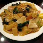 中華楼 - 什錦炒麺・柔(八宝炒麺) 780円