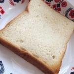 37046409 - 食パン