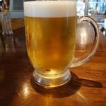 37046772 - ハッピーアワーのビール