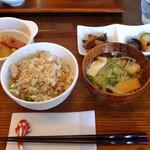 カフェ ジータ - 秋刀魚の炊き込みご飯