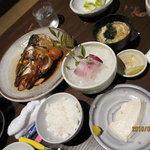 3705517 - 煮魚定食