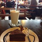 37051011 - チョコレートケーキケーキ。