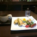 Cafe Nakamura - 料理写真:マフィンのモーニングセット800円です