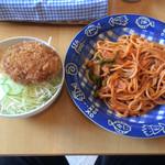 CAFE 鳩ポッポ - 料理写真:ナポリタンスパゲッティとミニメンチカツ丼 水出しコーヒー付(1000円)