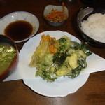 ろばた焼 一富士 - 料理写真:天ぷら定食 700円 コーヒー付