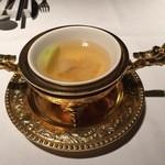 37056957 - 霧島鶏と松茸と白木茸の蒸しスープ