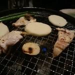 大阪とらふぐの会 はなれ - 炭火で焼く