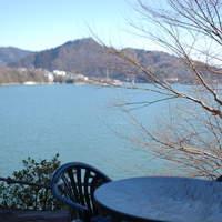 CAFA COFFEE  きの子茶屋 - 三月の相模湖です。春の桜、新緑、夏の風、秋の紅葉、雪景色も素敵です。(お客様撮影)