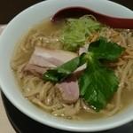 麺や 七彩 - 塩らーめん 中盛(¥800)