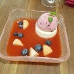 シャトン - 苺のスープとパンナコッタ ダブルベリージェラートと共に