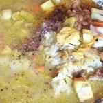アッチャ - チキンと野菜のカレー + 辛い納豆 アップ
