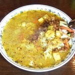 アッチャ - チキンと野菜のカレー + 辛い納豆