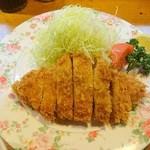 37067302 - ロースかつ定食(アップ)