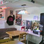kazu's cafe なまら千春だ部屋ぁ - 楽屋をイメージしたコーナー^^ ほらあの方が現れそうです・・・