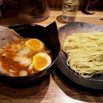 つけ麺屋 やすべえ - 【2010/4】辛つけ(中)+半チャーシュー煮玉子