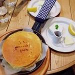 J.S. PANCAKE CAFE - j.s.パンケーキ☆ やっと食べれたパンケーキ♪ 思ったよりもふわふわ(*´∀`*)