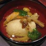 37072876 - 白身魚と海老、松茸の土瓶蒸し風のアップ(2014.10)
