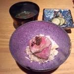 Girogirohitoshina - 馬肉の桜ご飯、味噌汁、お新香