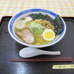 地下食堂 天輪 - 塩ラーメン(530円)