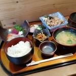旬菜和食 おか田 - 料理写真:ランチの「日替り定食 (850円)」