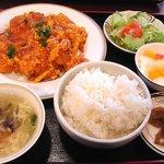 麗人飯店 - エビ・玉子・チリソース炒め