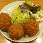 しすい亭 - クリームコロッケ (玉子のクリームコロッケ、鶏肉のクリームコロッケ)