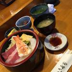 さつき寿司 - 料理写真:ランチタイムでもプロの仕事が見れます!低価格です。