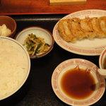 八福 - 餃子定食