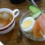 ロード - 2009/10月:ランチのナポリタンに付くスープとサラダ