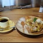 cafe HIFUMI - ブレンド珈琲&フレンチトースト930円