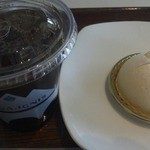 コンフィチュール アッシュ - アイスコーヒーとケーキ